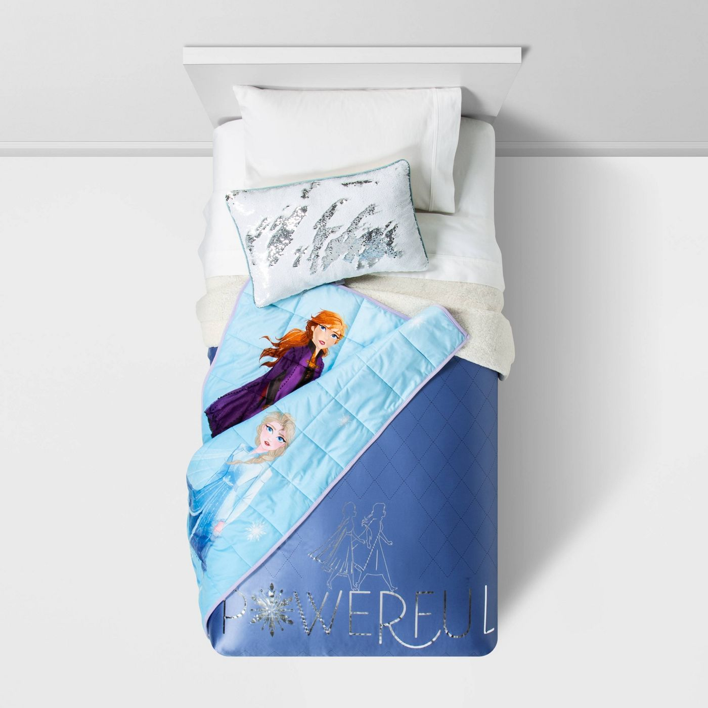 Frozen 2 kids weighted blanket on bed