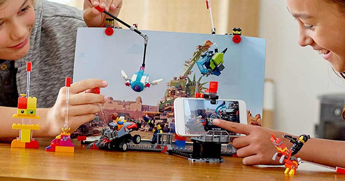 kids playing with LEGO movie maker 2