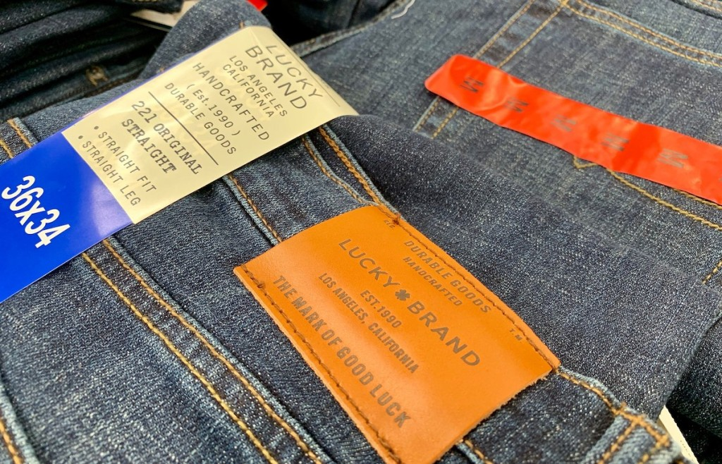 lucky brand jeans with tags on them