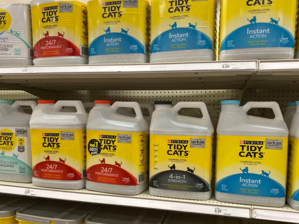 jugs of tidy cats on store shelves
