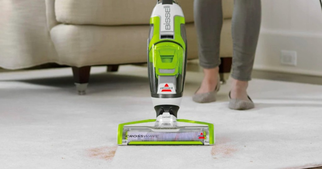 Bissell Crosswave cleaning up mud on floor