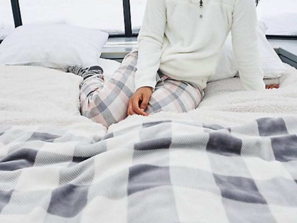Eddie Bauer Blankets