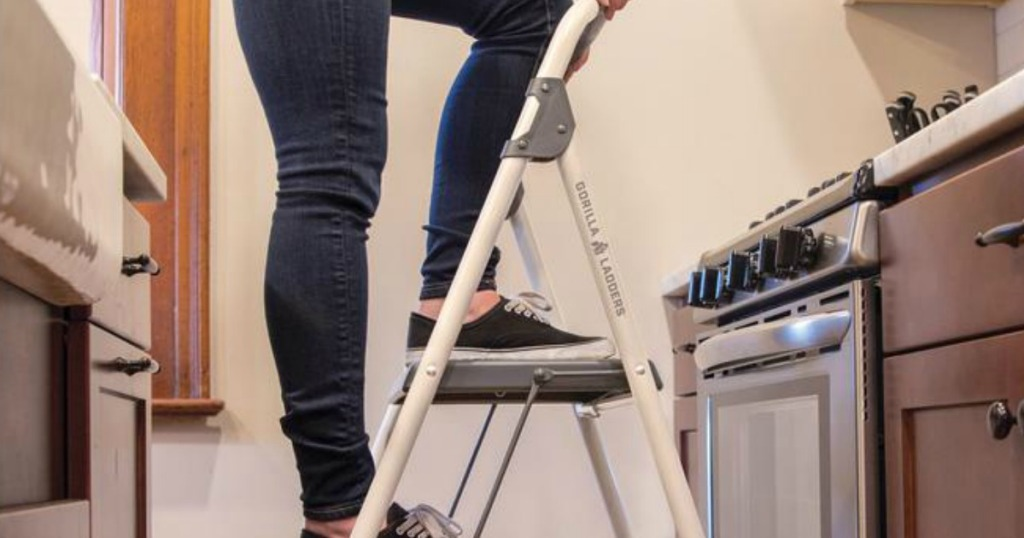 Excellent Gorilla Ladders Step Stool Only 9 88 At Home Depot Creativecarmelina Interior Chair Design Creativecarmelinacom