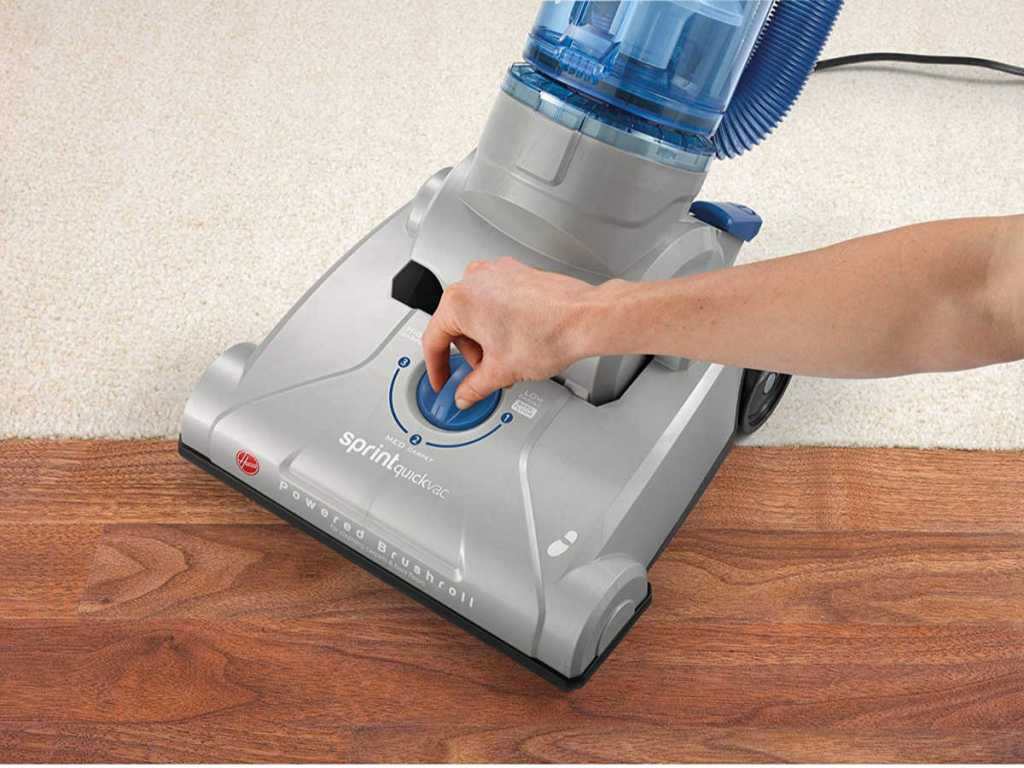 Hoover Sprint QuickVac Baggless Upright Vacuum Cleaner