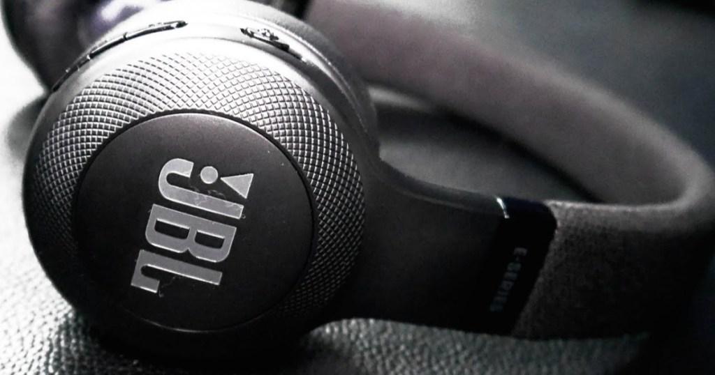 JBL E35 headphones