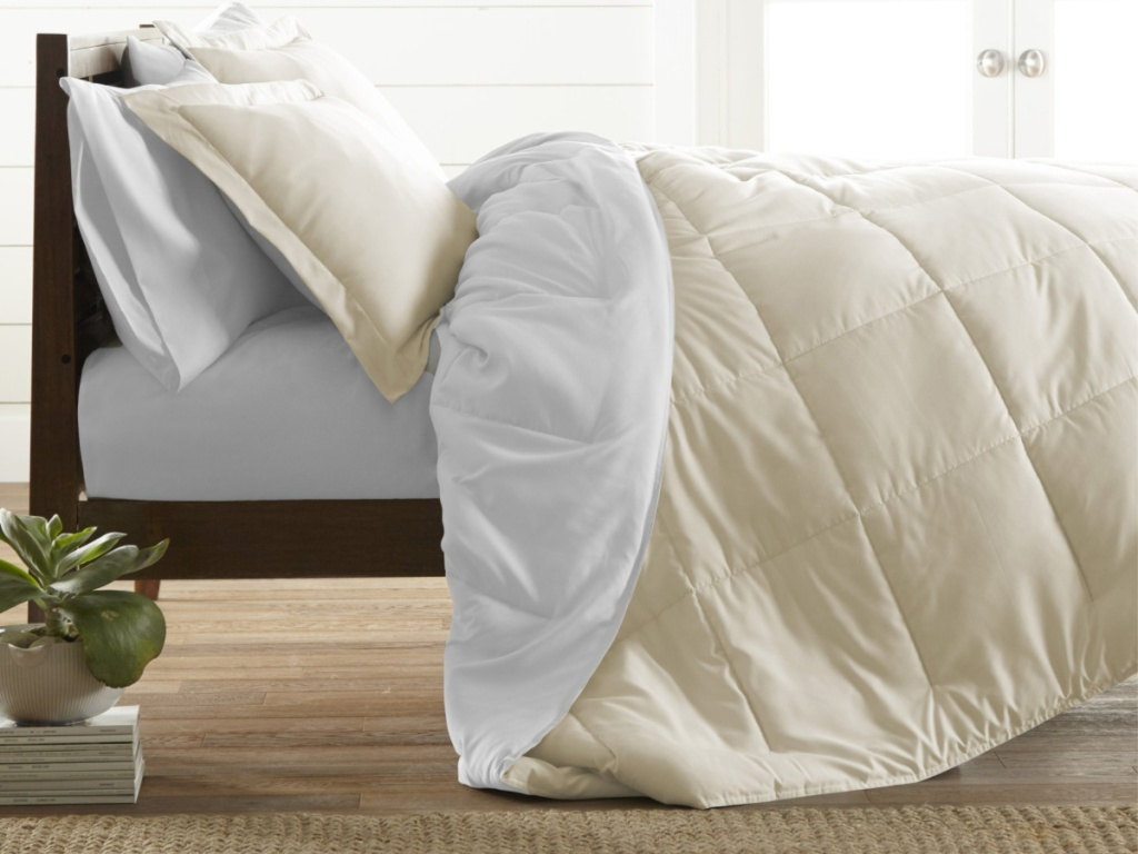 linens-and-hutch-comforter
