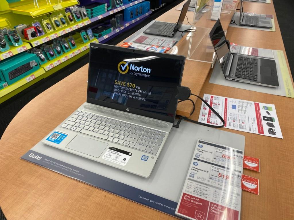 Staples Laptop