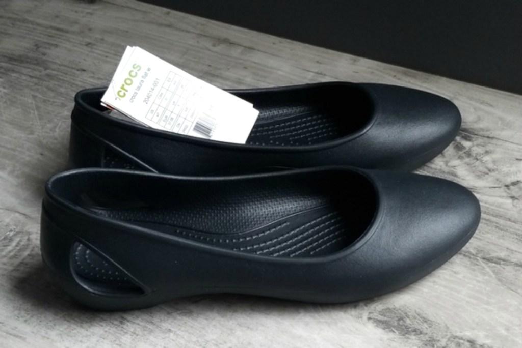 Womens-Crocs-Laura-Flat