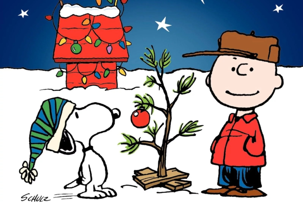 Snoopy and Charlie Brown with Christmas tree