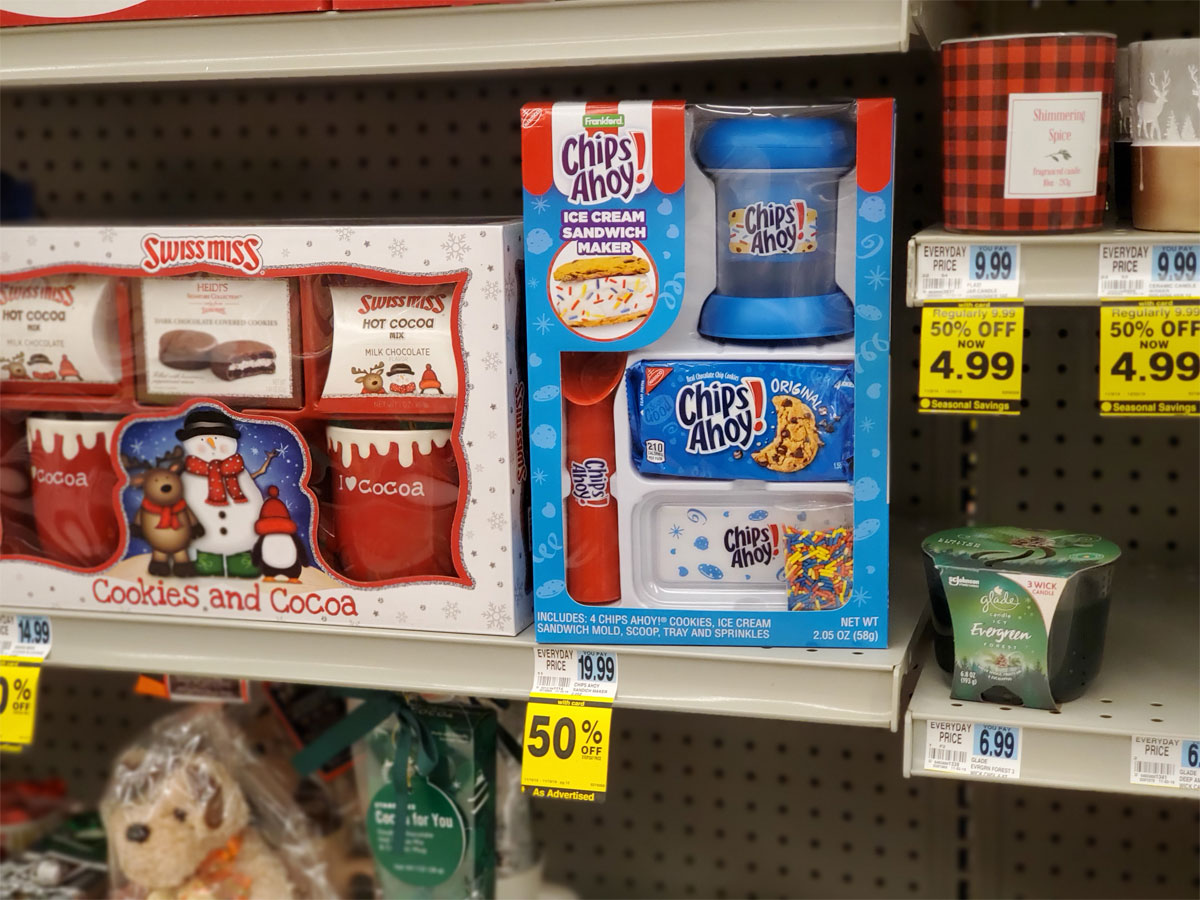 Chips Ahoy! Christmas gift set