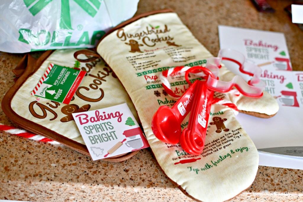 dollar tree christms oven mitt and pot holder