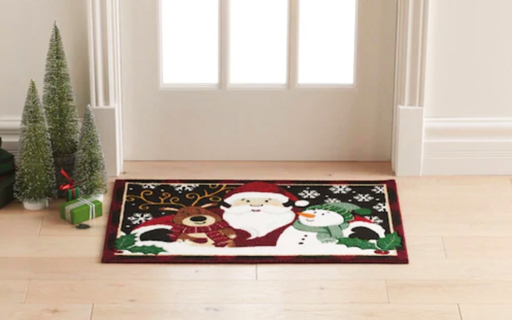 holiday door mat from kohls at front door with decor