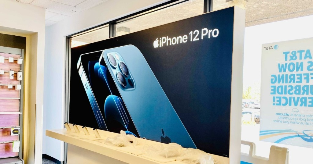 iPhone sign at AT&T store - iphone black friday deals