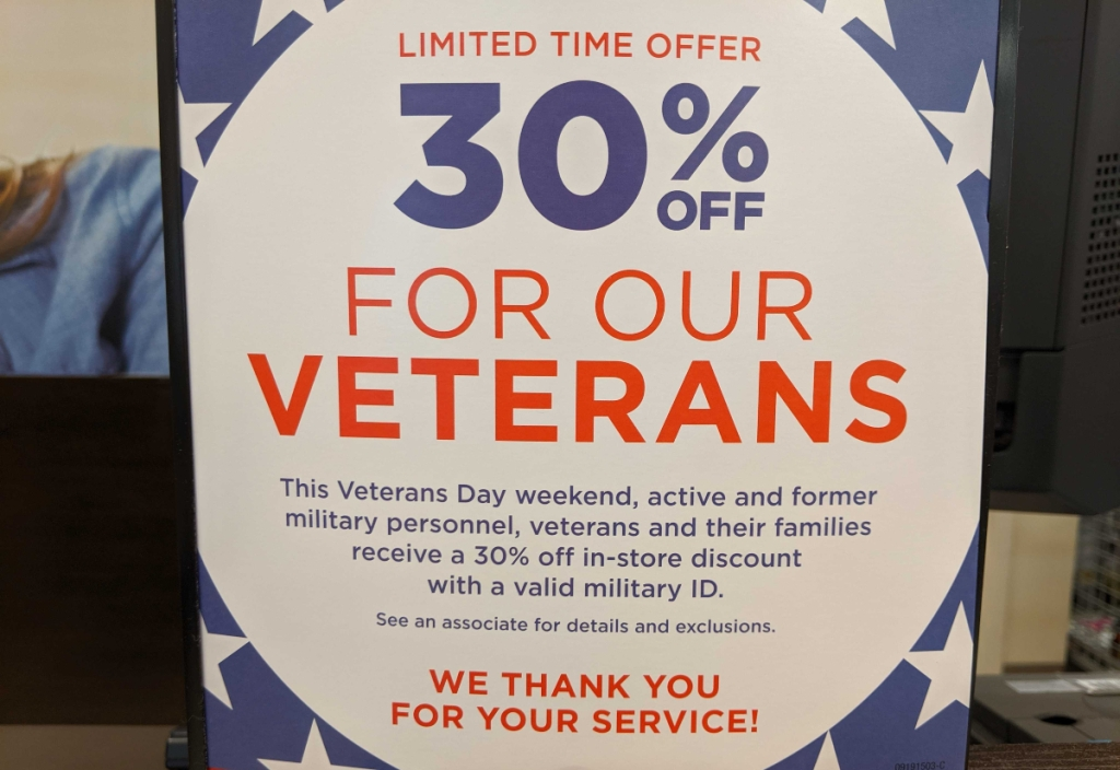 Kohl's Veterans Day discount signage