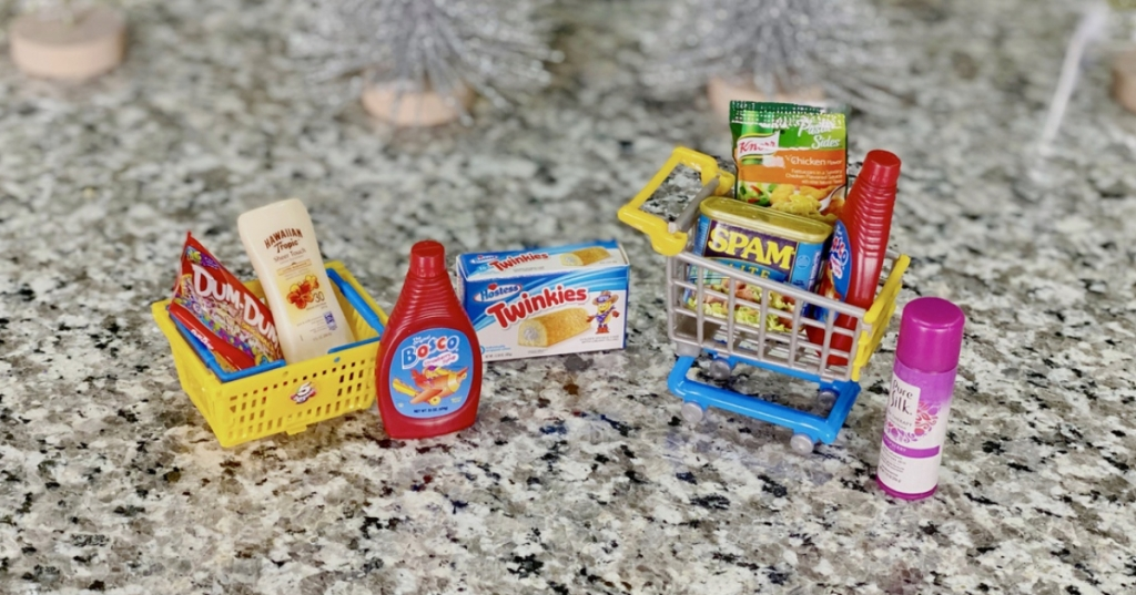 replicas from inside Mini Brands capsule