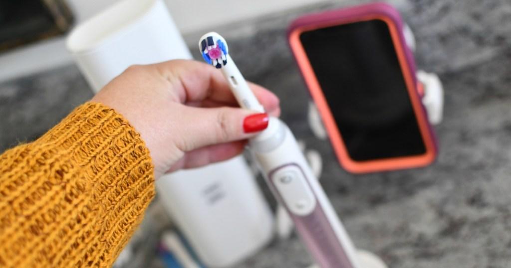 oral-b-8000-toothbrush