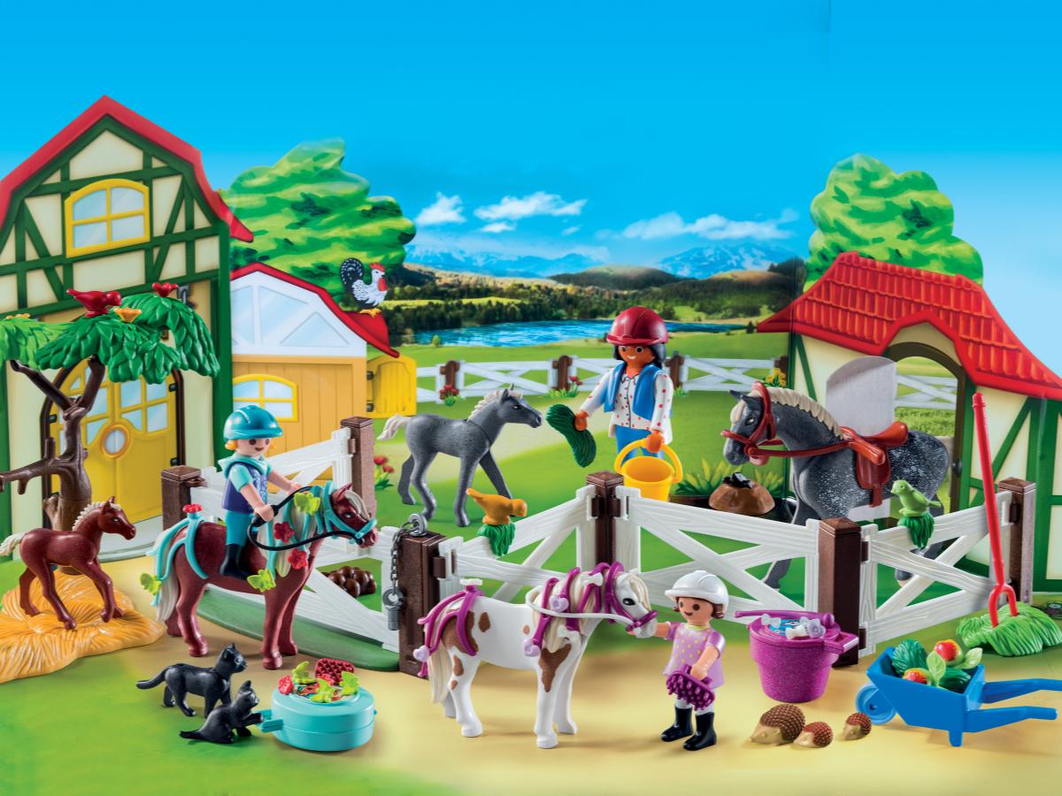 playmobil-horse-farm-advent-calendar