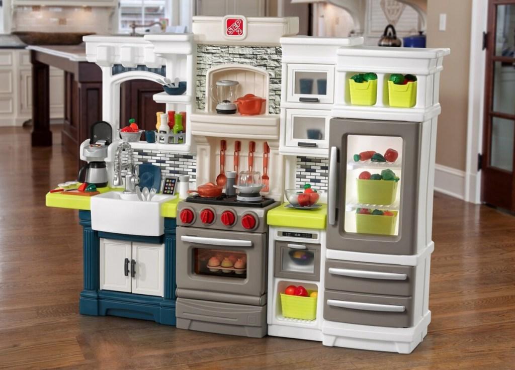 Up to 35% Off Step2 Kitchen Sets + Earn Kohl\'s Cash - Hip2Save