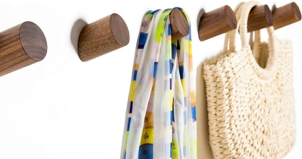 wood wall hooks with scarf and bag handing