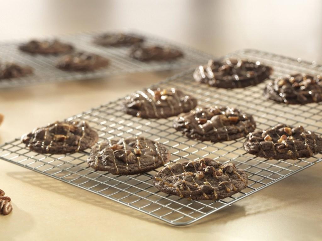 USA Pans Metal Cookie Cooling Rack