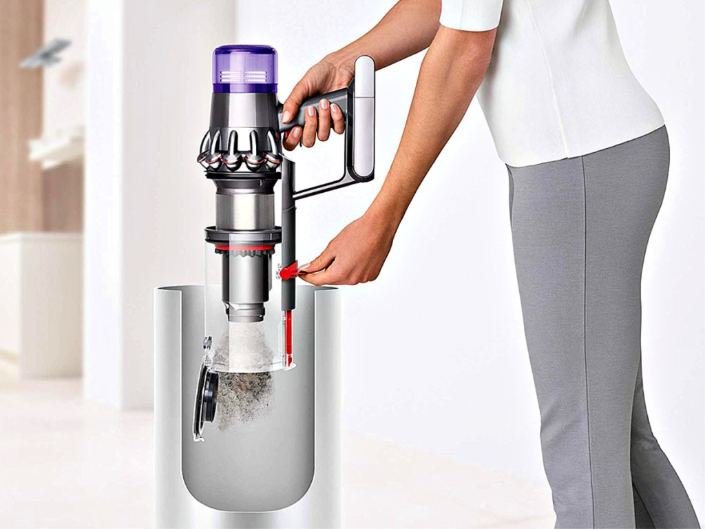 Dyson V11 Torque Drive vacuum empty trash