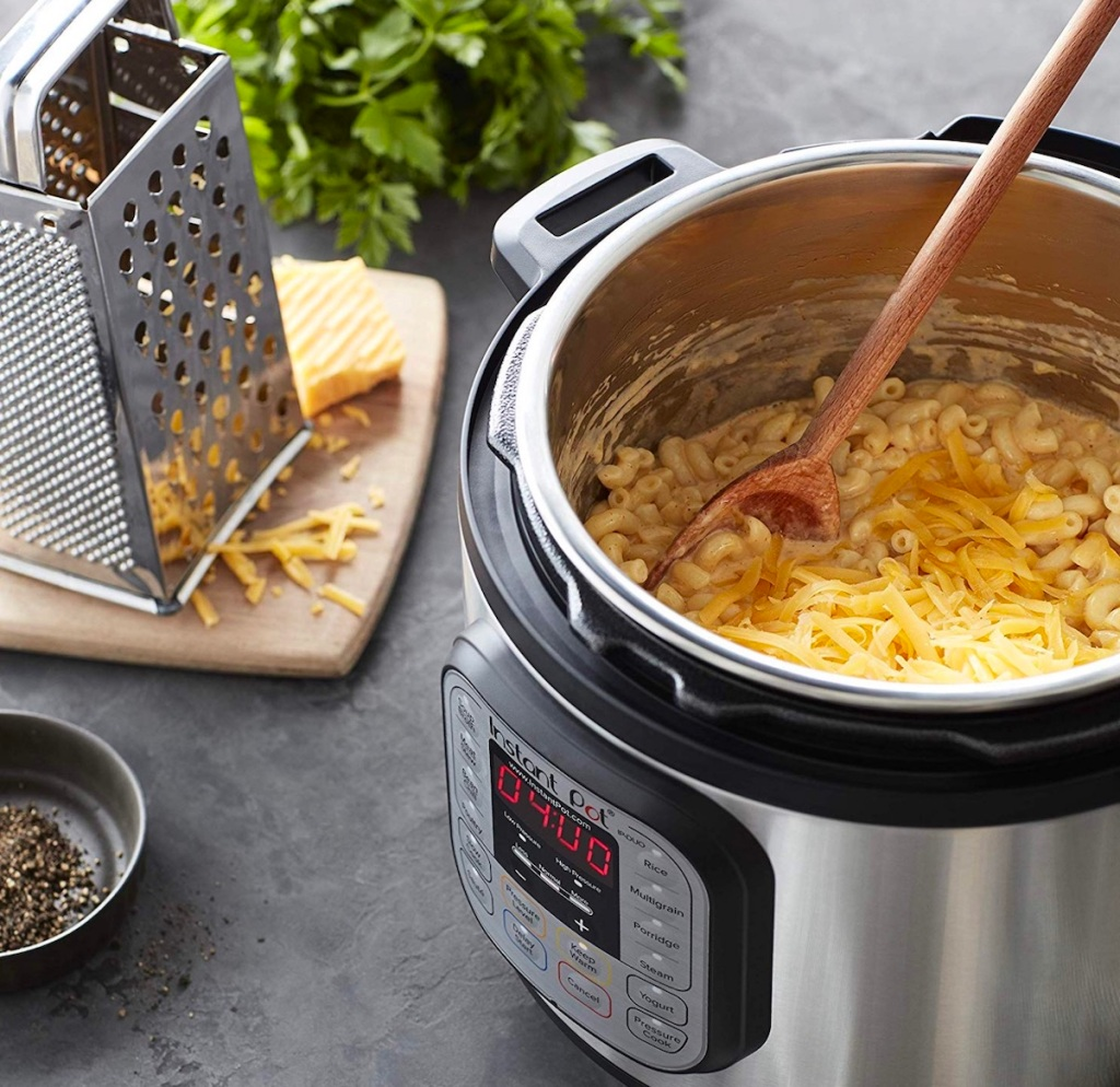 Instanrt pot with macaroni & cheese