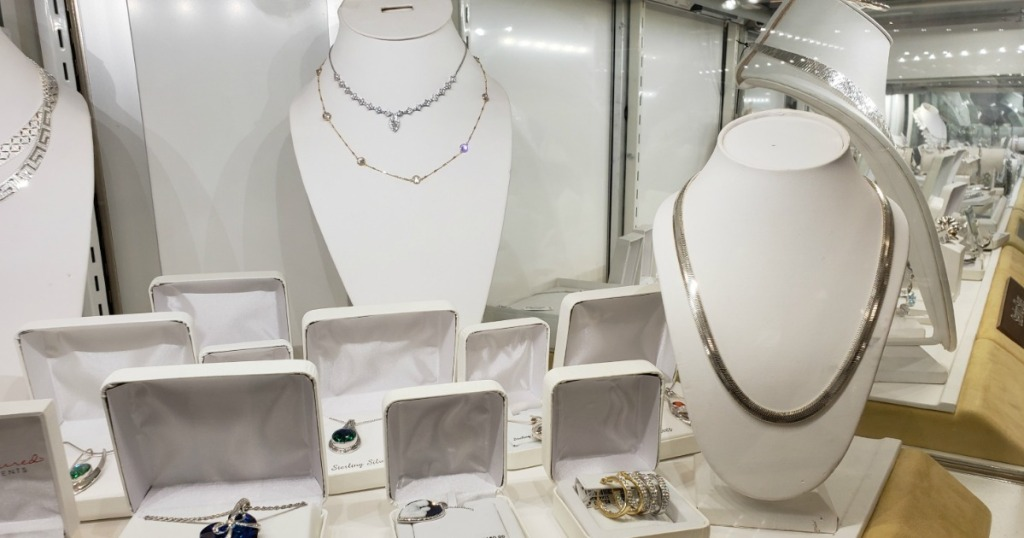 Kohl's Jewelry display case