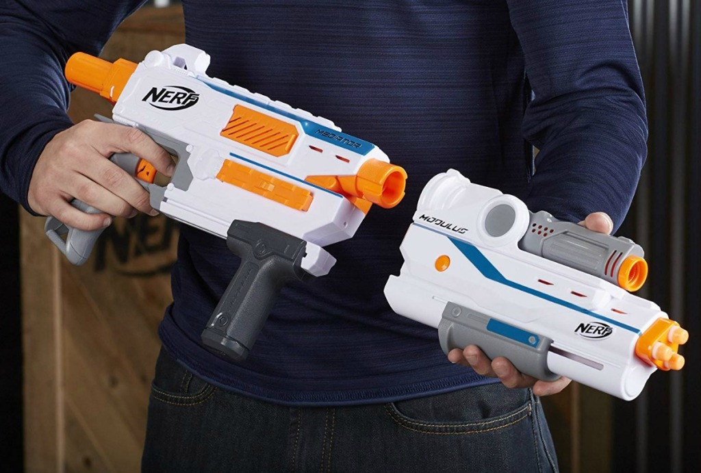 Nerf Modulus Mediator weapon with attachement