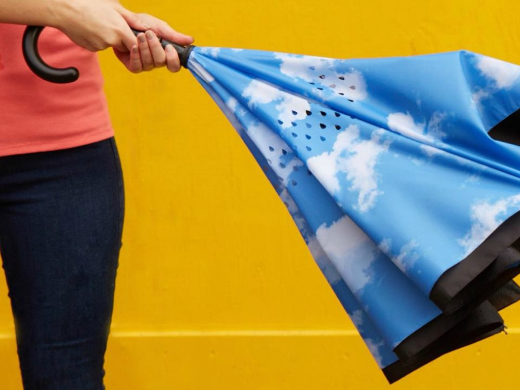 Cloud printed reverse close umbrella