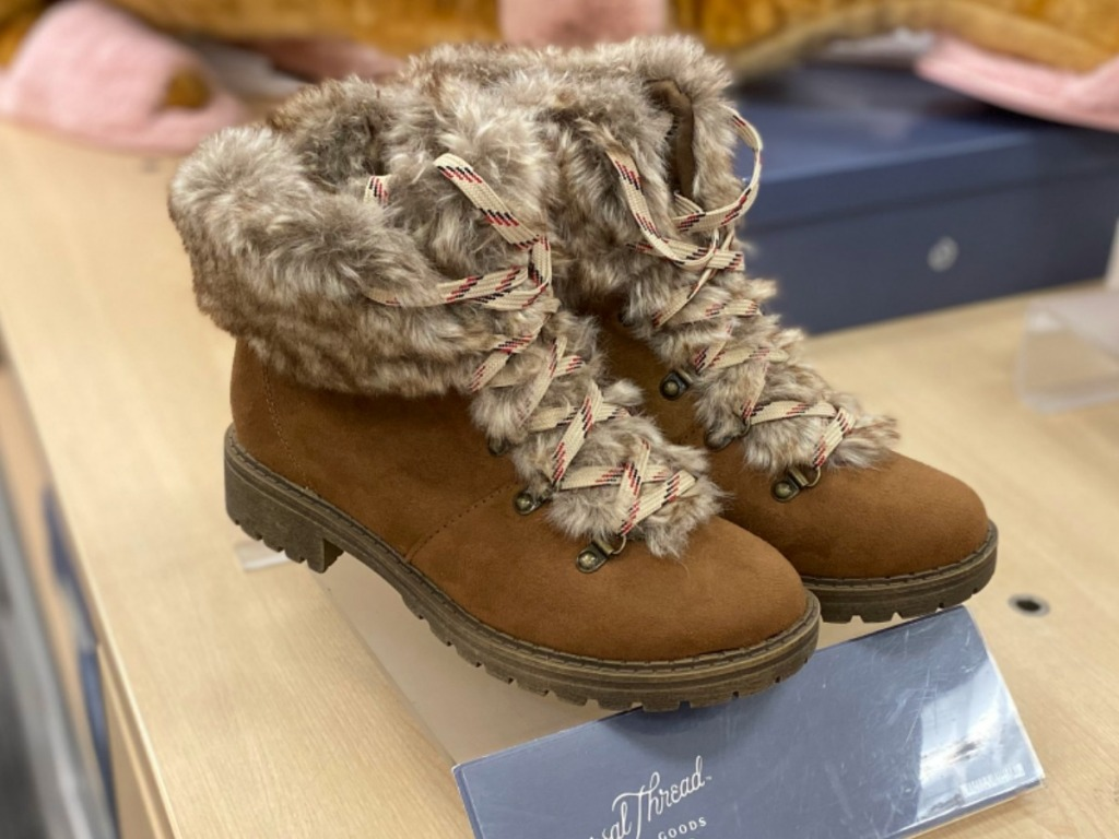 Women's brown boots with fur lining