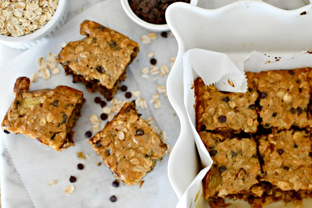 baked oatmeal with chocolate chips