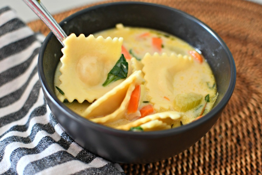 bowl of creamy cheese ravioli soup