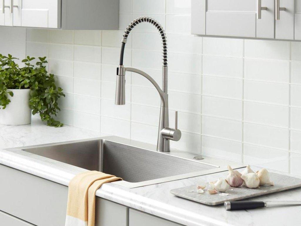 Glacier Bay faucet in kitchen sink