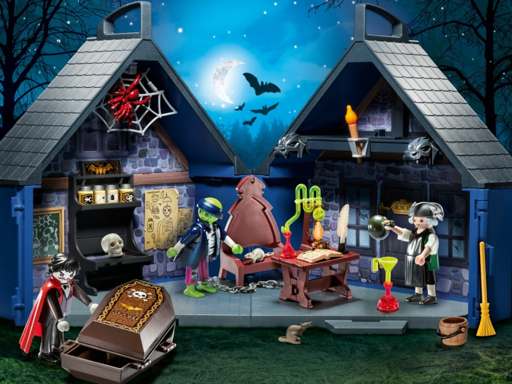 playset with haunted house and accessories
