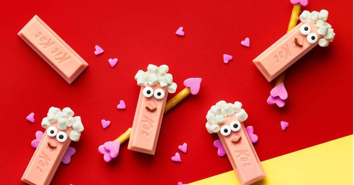 pink Kit Kats dressed up like Cupids