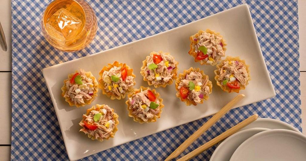starkist tuna snacks on plate