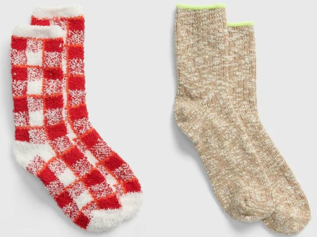 2 pairs of socks for women