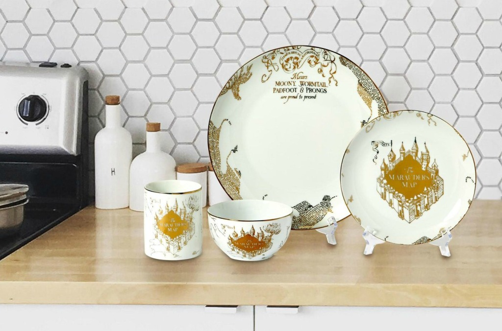 Harry Potter Dish Set on Kitchen Counter