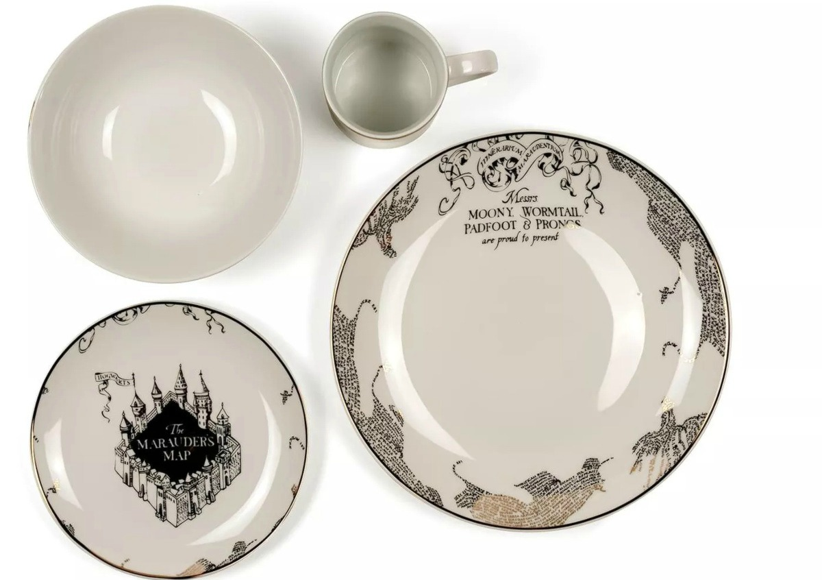 Harry Potter Dishes in Black and Gold