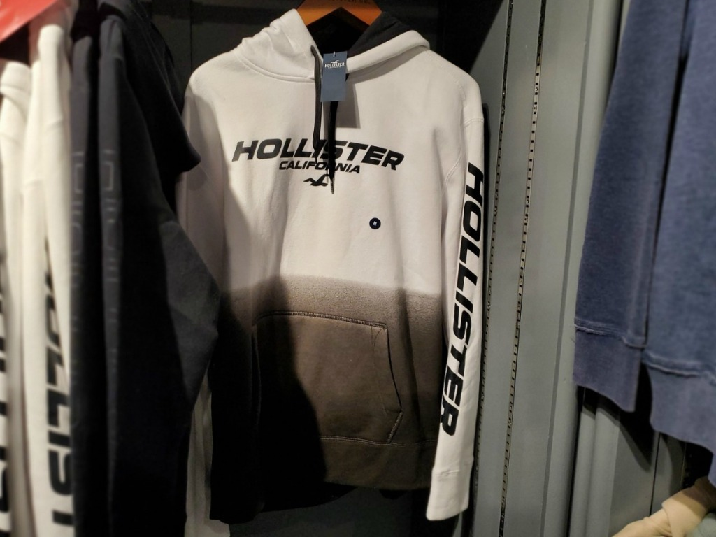 Men's sweatshirt with Hollister logo on front