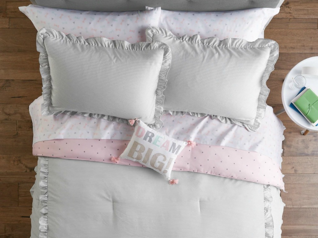 Kids gray ruffle bedding with matching pillows