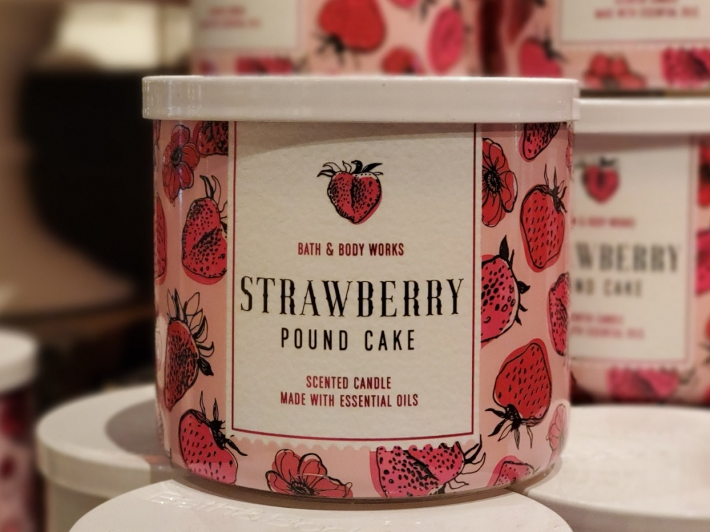 Strawberry Pound Cake Candle at Bath and Body Works