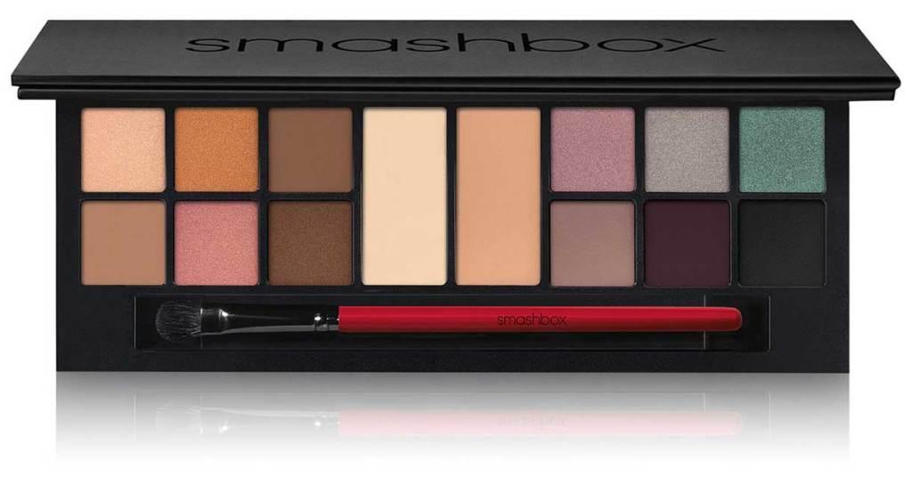The Love Edit: Romantic Eye Shadow Palette Set stock image