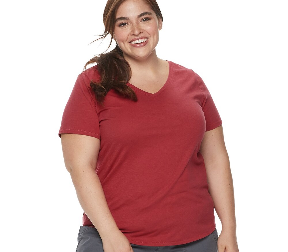 woman wearing a red t-shirt