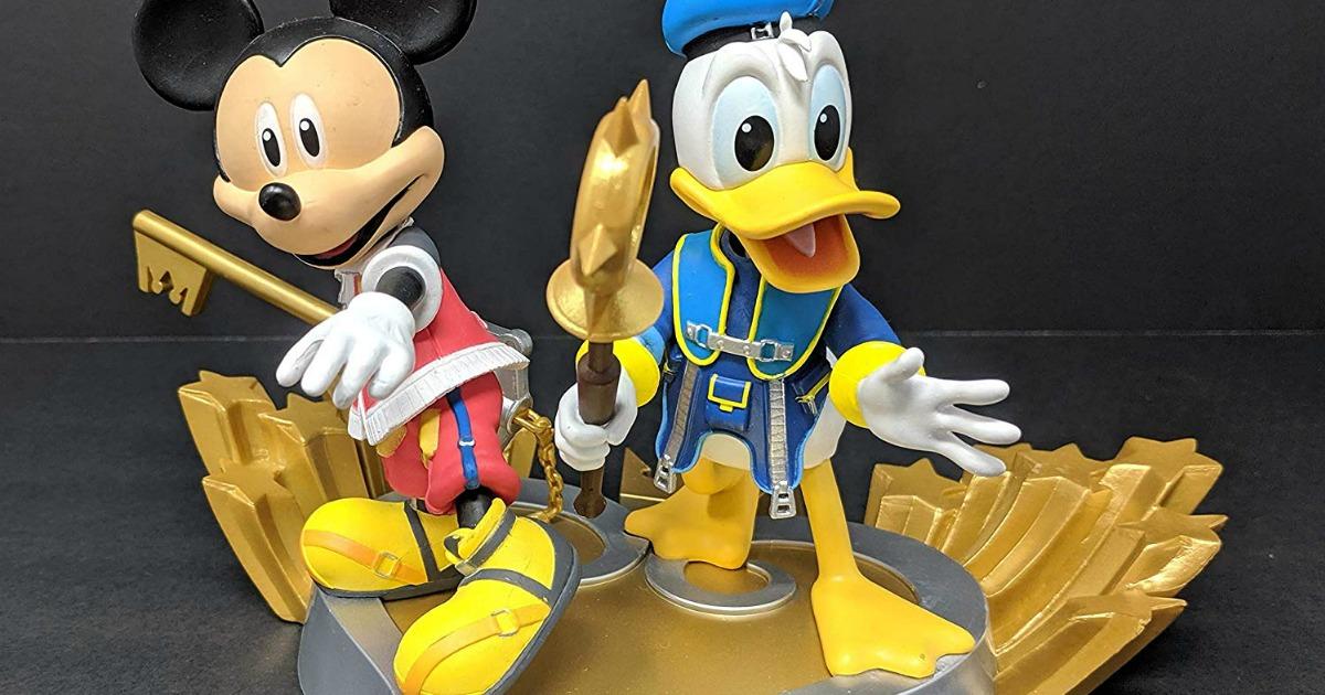 Mickey and Donald Duck Kingdom Heart Statue stock image