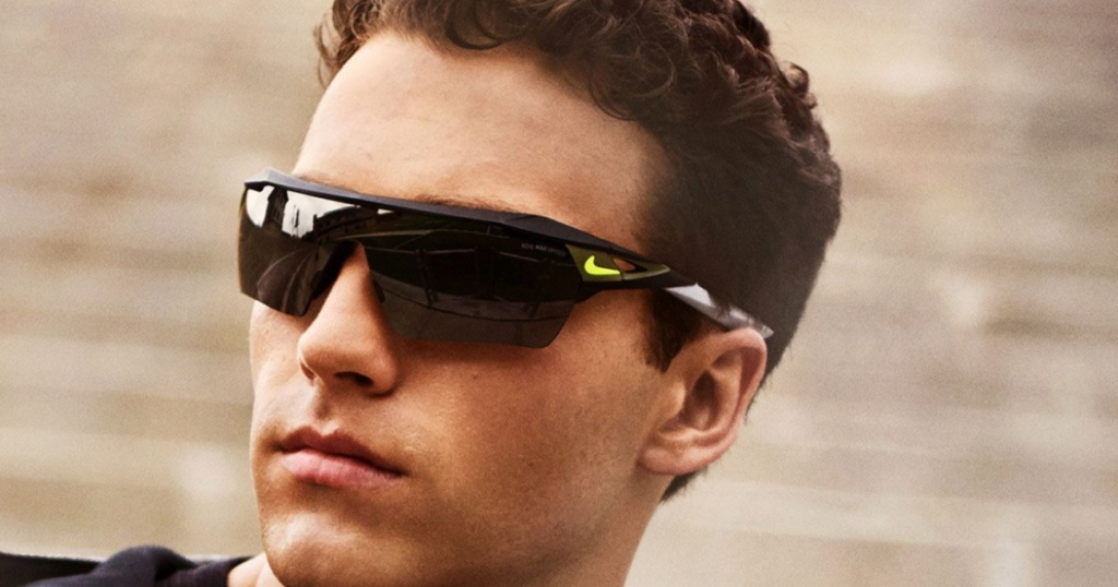 Matte black men's sunglasses