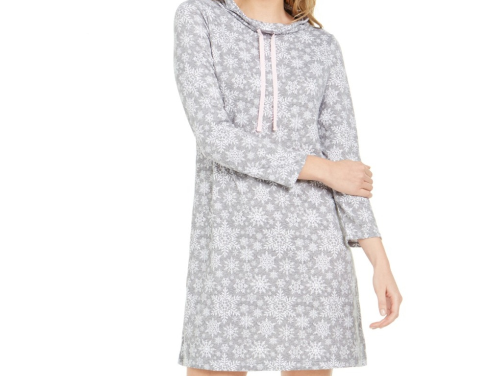 Women's grey snowflake nightgown
