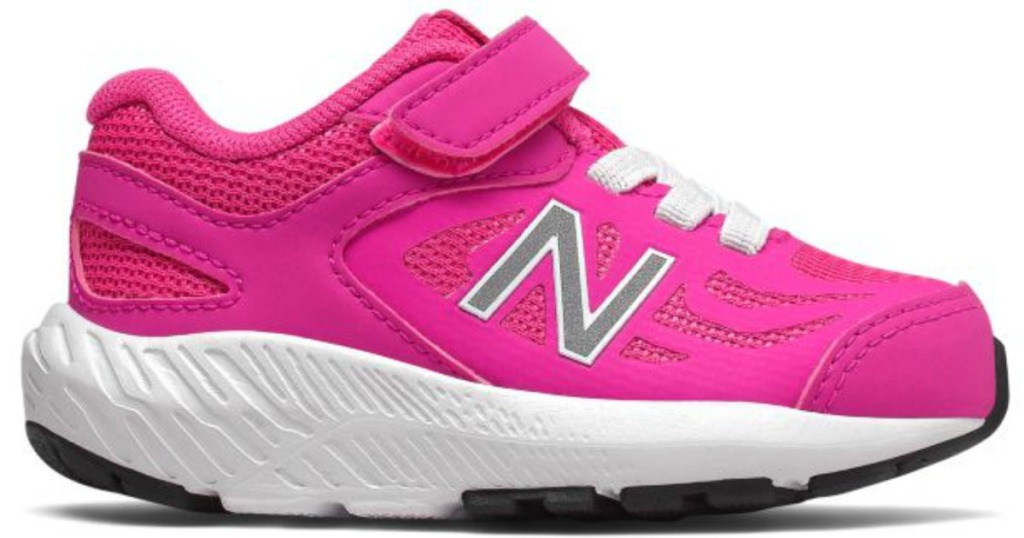 New Balance infants 519 shoes in pink