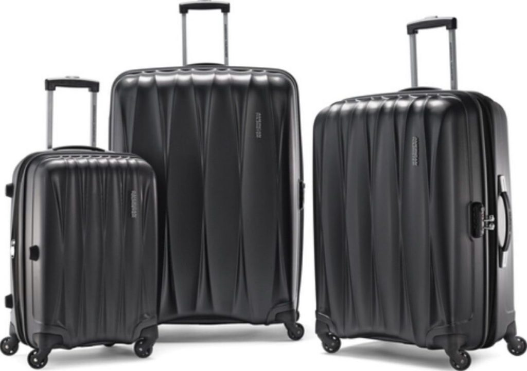 3 pieces of assorted hardside spinner luggage with handle