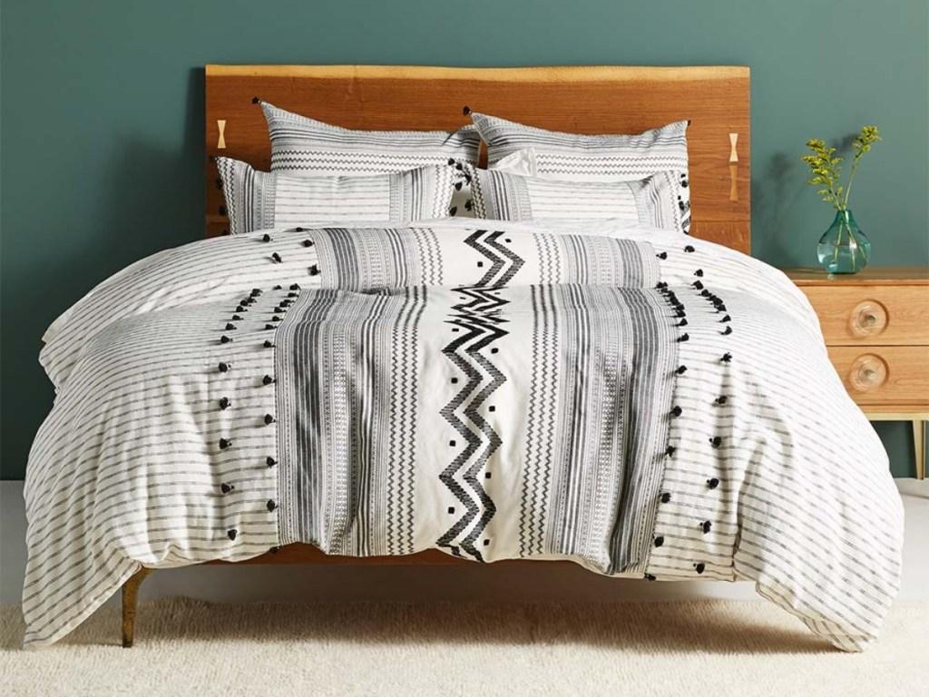 black and white duvet on bed